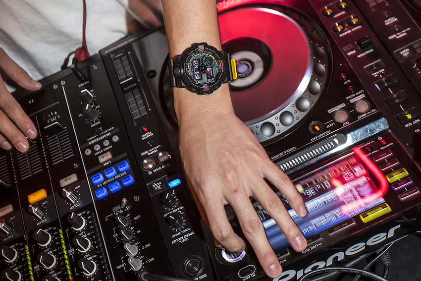 часы CASIO GA-700SE