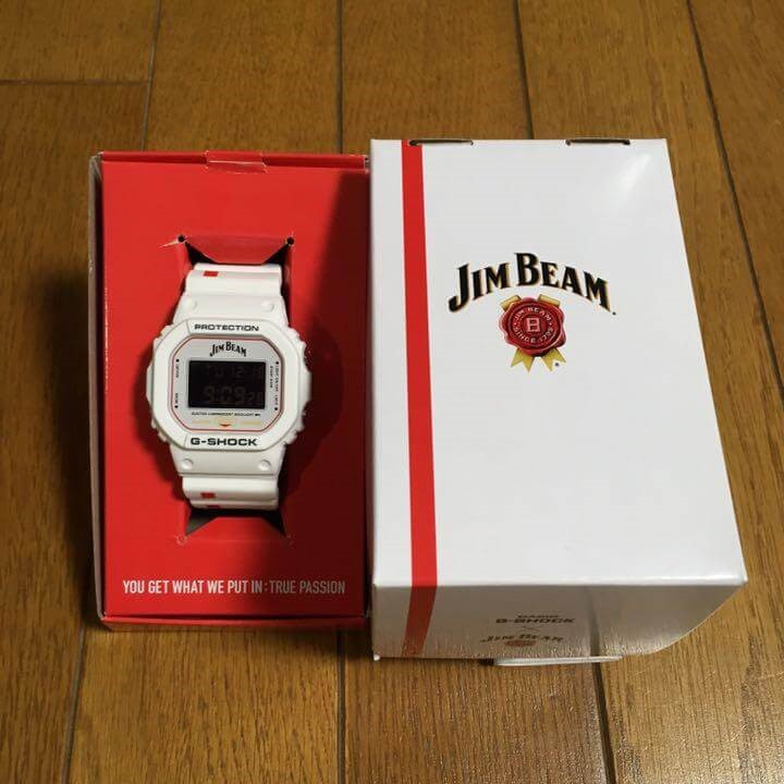 упаковка Jim Beam x G-Shock DW-5600